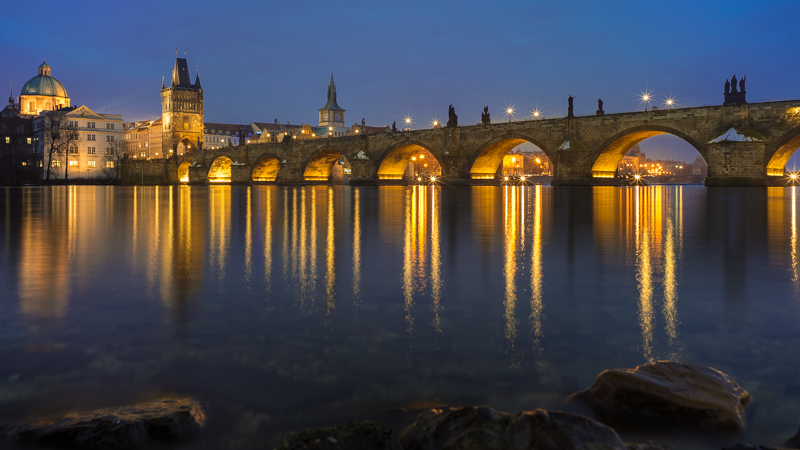 Karlsbrücke Charles Bridge Prag Praha Ultron 28mm 2.0 Sunstars Blendensterne