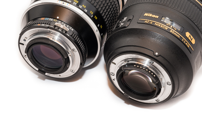 Nikon AI-s 180mm 2.8 ED alongside Nikon AF-S 85mm 1.4G (without aperture ring)