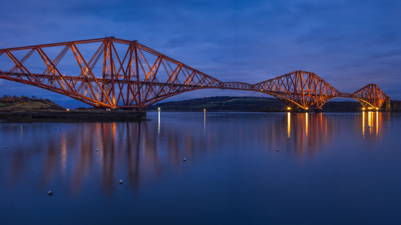 voigtlander nokton 50mm 1.5 sony a7 blue hour sunstars firth of forth bridge