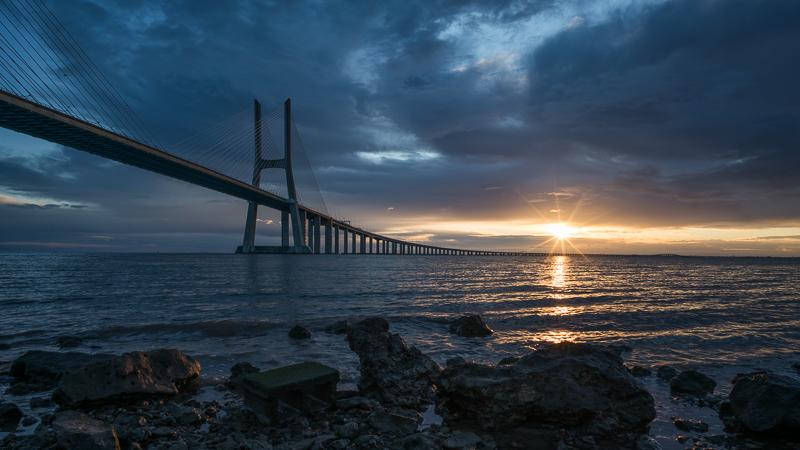 puente vasco de gama bridge portugal lisbon lissabon lisboa